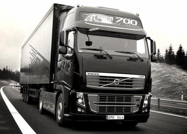 Volvo 700