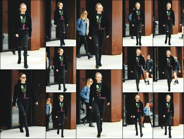 - 24.04.17 ─ Notre Gigi Hadid est photographiée alors qu'elle quittait son appartement dans les rues de New York ! [/s#00000ize]Gigi quittait son appartement dans une tenue complètement noire. Pour le coup je trouve le look assez sympa même si ce n'est pas très soignée. Un top    -
