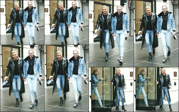 - 25.05.17 ─ Gigi H. et sa mère sont photographiées alors qu'elles quittaientt l'agence « IMG Models » à New York ![/s#00000ize]Ca faisait quelque temps que nous n'avions plus vu Gigi en compagnie de sa mère, Yolanda ! Les 2 femmes quittaient une grande agence de mannequin. -
