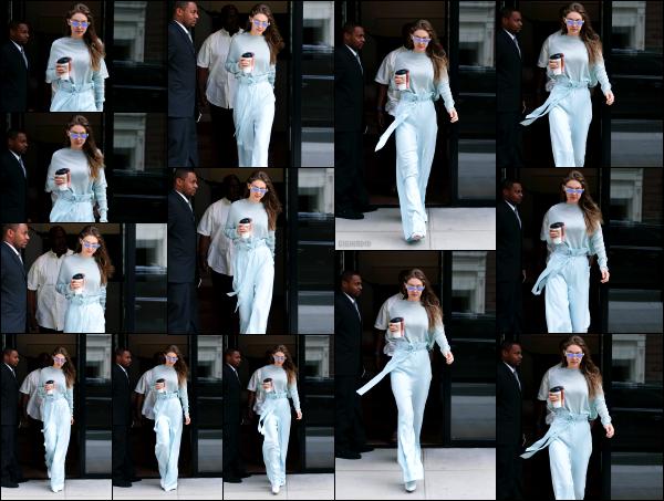 - 15.06.17 ─ Notre Gigi Hadid est photographiée alors qu'elle quittait son appartement dans les rues de New York ! [/s#00000ize]Gigi est aperçue avec un petit café dans la main de bon matin pour aller rejoindre les rues de New York !! Sa tenue est assez sympa, ca lui va très bien.   -