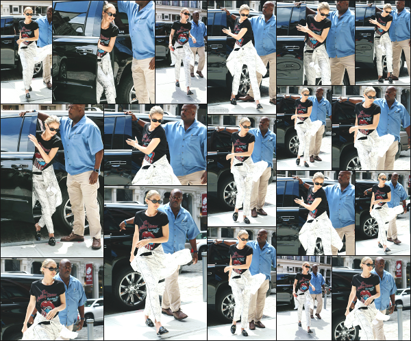 - 17.07.17 ─ Notre Gigi Hadid est photographiée alors qu'elle revenait son appartement dans les rues de New York.[/s#00000ize]Suite à son petit rendez-vous, Gigi revient donc de nouveau a son appartement ! Toujours la même tenue que je n'apprécie pas vraiment. Un petit flop ! -