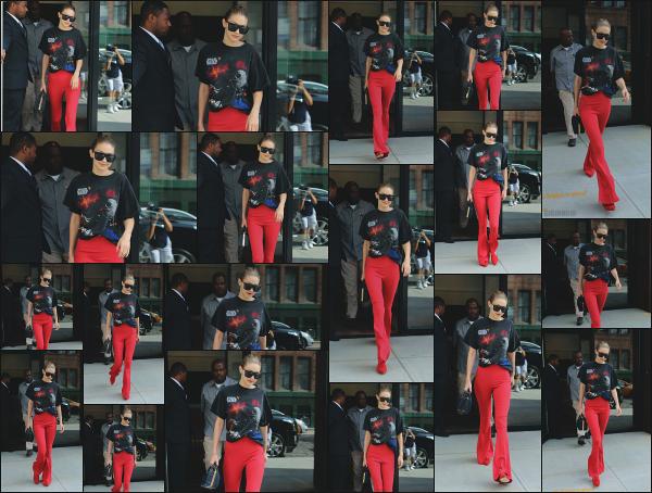 - 28.07.17 ─ Notre Gigi Hadid est photographiée alors qu'elle quittait son appartement dans les rues de New York ! [/s#00000ize]C'est une nouvelle journée qui démarre pour notre mannequin et c'est en direction d'un studio photo qu'elle se dirige ! Je n'aime pas la tenue... Un flop ! -