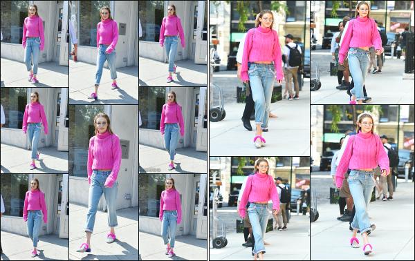 - 11.09.17 ─ Notre ravissante Gigi' Hadid est photographiée alors qu'elle se promenait dans les rues de New York !! [/s#00000ize]Un peu plus tard, c'est en rejoignant son appartement que nous la retrouvons, toujours dans cette même tenue ! Un flop pour le look que je n'aime pas ! -