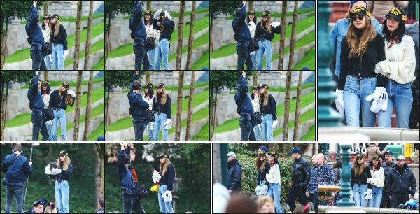 - 26.02.17 ─ La belle Gigi Hadid est photographiée sur le set d'un photoshoot avec sa soeur Bella à Disney - Paris ![/s#00000ize]Les deux soeurs prépare un photoshoot à deux dans un endroit idyllique,  pour le plus grand plaisir de leur fans! Les tenues sont moyenne, un petit flop -