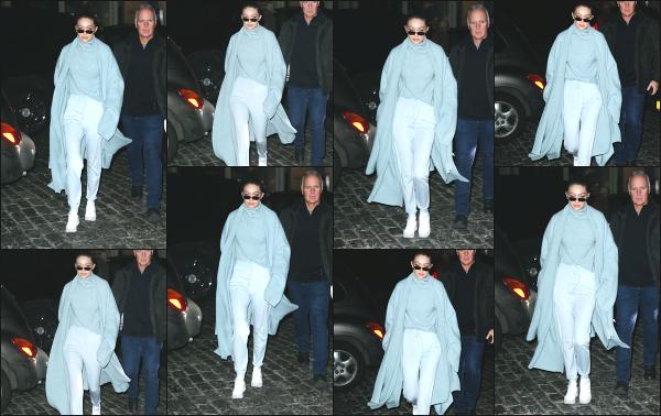 - 06.02.18 ─ Notre Gigi Hadid est photographiée alors qu'elle revenait son appartement dans les rues de New York[/s#00000ize]C'est en soirée que nous retrouvons Gigi ce jour là, revenant chez elle après une journée bien chargée très certainement... Je n'aime pas trop la tenue ! -