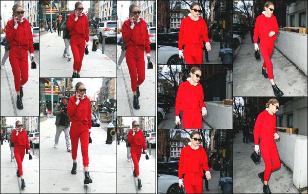 - 30.01.18 ─ Notre Gigi Hadid est photographiée alors qu'elle quittait son appartement dans les rues de New York ! [/s#00000ize]Gigi H. quittait son appartement ce jour là pour se rendre en plein centre ville de New York ! Plus tard, on l'aperçois revenir chez elle.  C'est un petit flop ! -