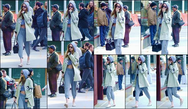 - ''•-20/04/18-' : Gigi Hadid a de nouveau été aperçue alors qu'elle rentrait chez elle, dans la ville de New York. Avec nonchalance, la blondinette qui se trouvait bien couverte arrivait devant son immeuble de résidence à Manhattan. C'est un gros bof. -