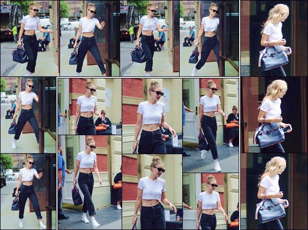 - ''•-27/06/18-' : Gigi Hadid se rendait dans les « Spring Studios », et qui se trouvent localisés dans la ville de NY. Ayant quitté son appartement pour se rendre dans les studios, Gigi a été photographiée en arrivant et en quittant l'appartement de Zayn. -