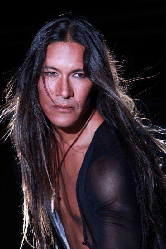 Rick Mora , vidéo Apache (l) (l) (l)