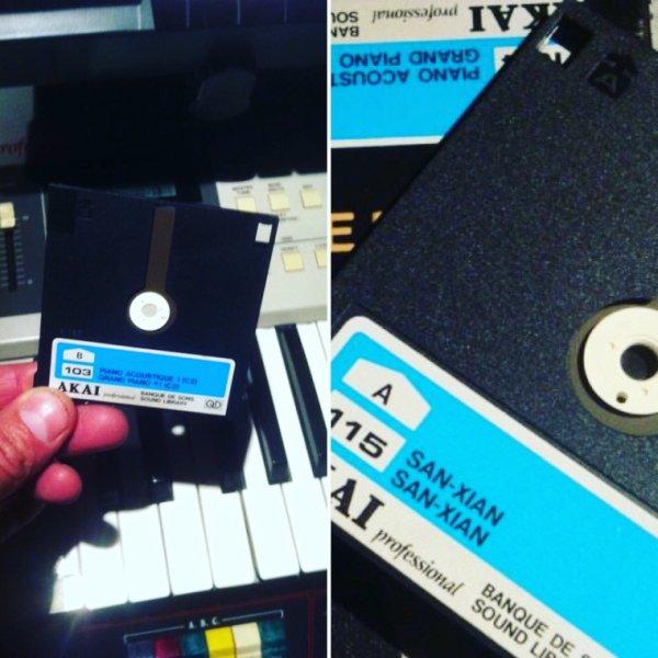 My old 2'8 Disc for AKAI Sampler!