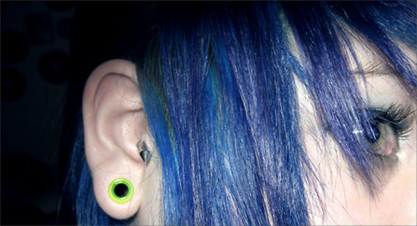 @ Tragus & stretch fluorescent.