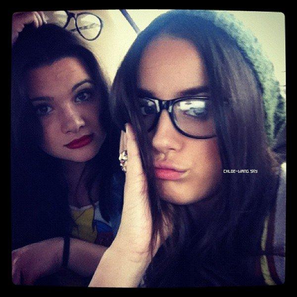17/06/2012 : Twitter news : Chloe a posté deux photos sur son twitter + Chloé est partie pour le Mexique !