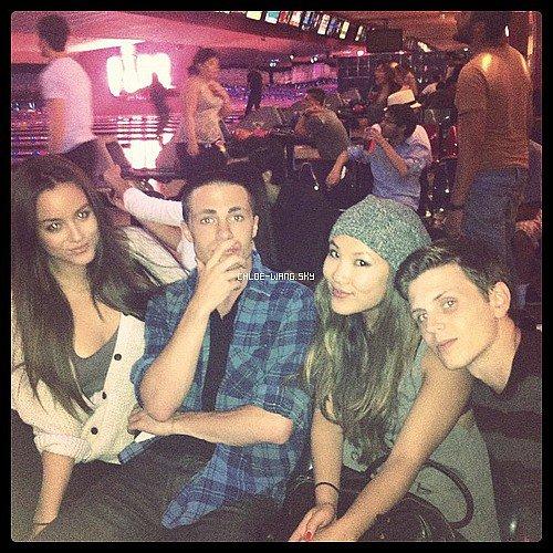 06/08/2012 : Chloé au bowling avec ses amis.