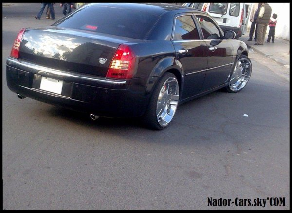 chrysler 300c chrome jantes nador cars les autos. Black Bedroom Furniture Sets. Home Design Ideas