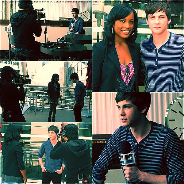 """Flashback:Interview TV  Juin 2010:Logan ce faisant interviewer par """"MTV"""" pour ses 2 nominations au """"MTV movie award 10""""."""