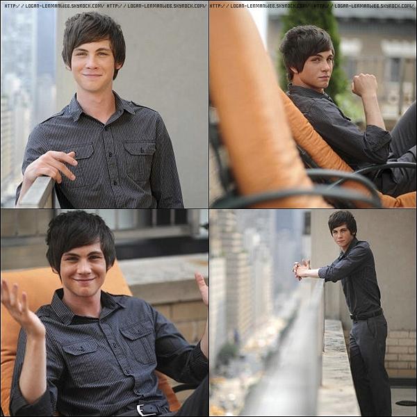 """. Flashback:Photoshoot'  2009: Logan photographier par Jennifer S. Altman pour """"LA.Times"""".Canon ou pas canon?   ."""
