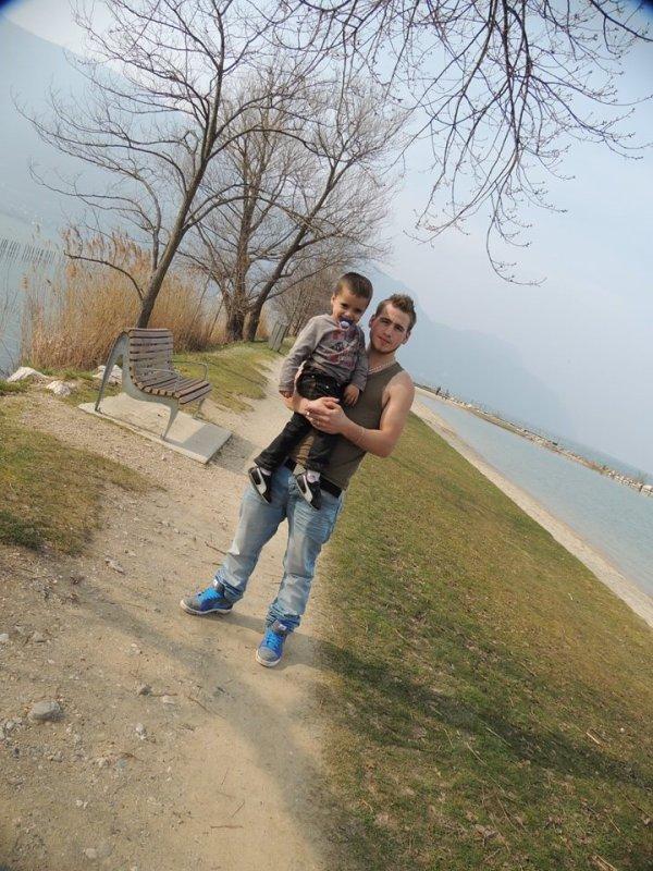 mon peti neveu et moi :)