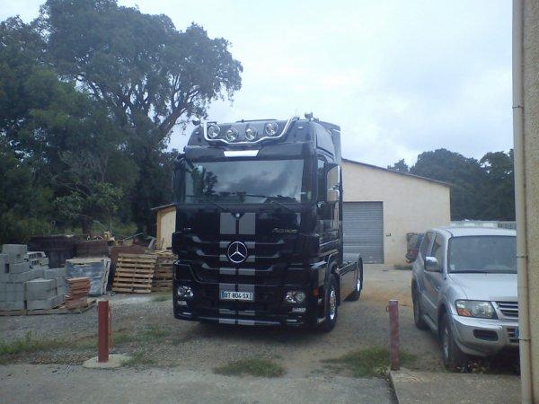 mercedes actros black liner camion mercedes actros black. Black Bedroom Furniture Sets. Home Design Ideas