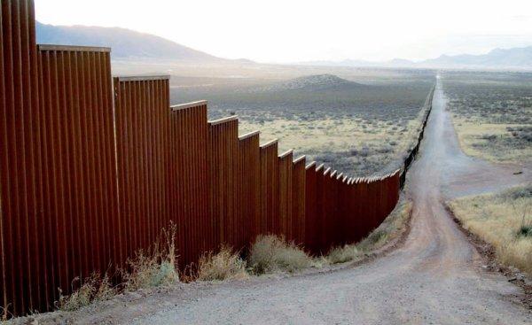 Al Otro Lado Del Muro - Angetta