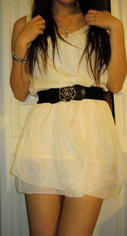 Robe blanche en soie_ Taille : 36 -: 30fdpc .