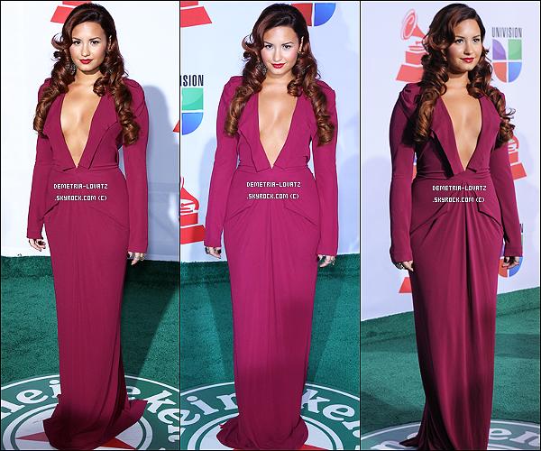 10/11/11 : Demi Lovato a assisté à la cérémonie des « Latin Grammy Awards 2012 », à Las Vegas (Nevada). Top ?   Lors de cet évènement Demi Lovato a interprété la chanson « Solamente Tù » avec Pablo Alboran. Tu aimes cette prestation ?