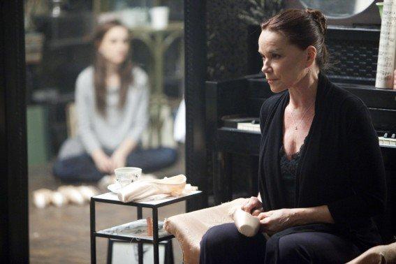 Barbara Hershey est Erica, la mère de Nina dans Black Swan