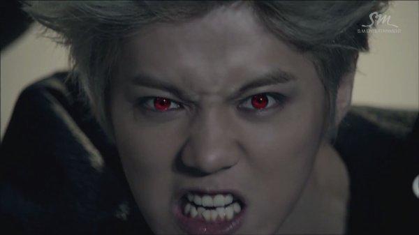 Les magnifiques yeux rouges des exo