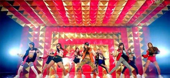 (Uniquement ici) Les Girls' Génération sont la nouvelle sensation k-pop.