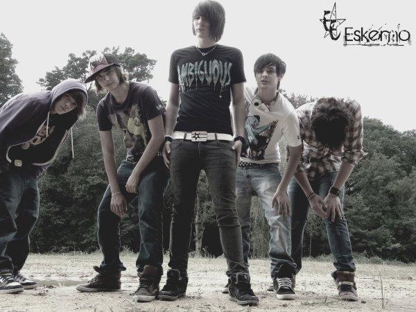 une photos tu groupe ESKEMO