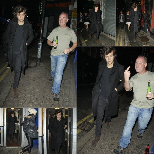 18.02 - Harry à été vue en sortant du Box nightclub à Londres.