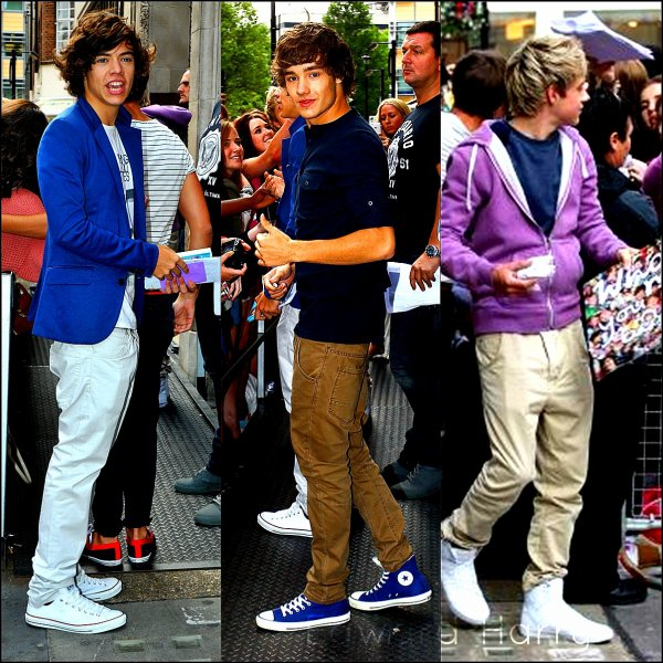 Flash-back : 10.08. 2011 - Les One Direction ont été vue en arrivant au studio de la radio ONE.