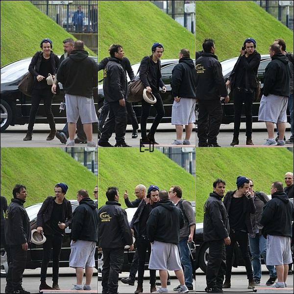 28.04 - Harry à été dans les rues de Paris !!