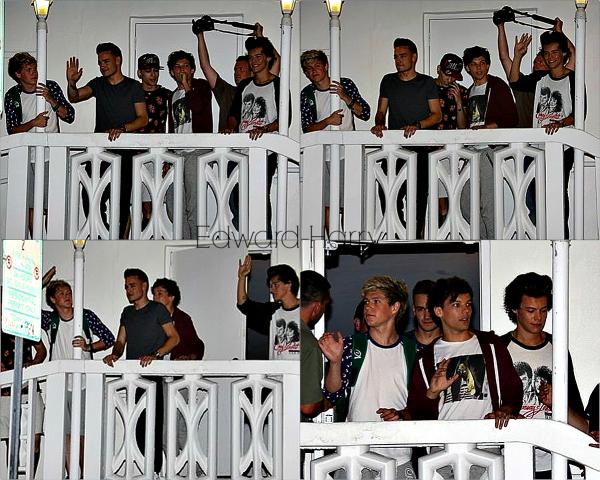 12.06 - Les One Direction ont été vue en sortant des studios à Miami.