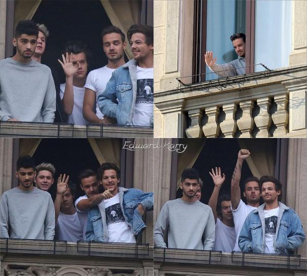 12.12 - Les One Direction ont été vue en arrivant à leurs hôtel à milan.