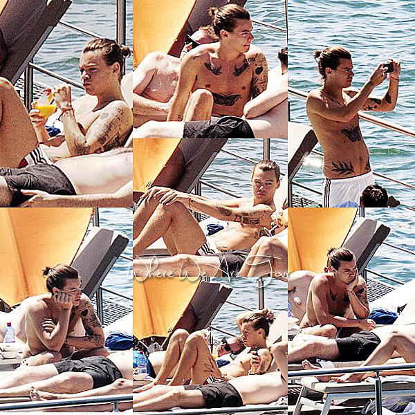 29.06 - Harry à été après sont déjeuner à Casta Diva dans le Lac de Côme en Italie.