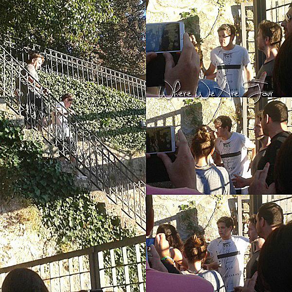 11.07 - Les One Direction interprétant leurs trente-septième concert pour tournée le Where Are Tour au stade de Vincent Calderon à Madrid en Espagne