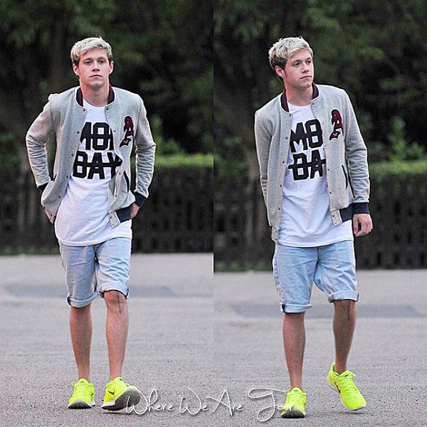 14.07 - Niall à été vue à Londres.