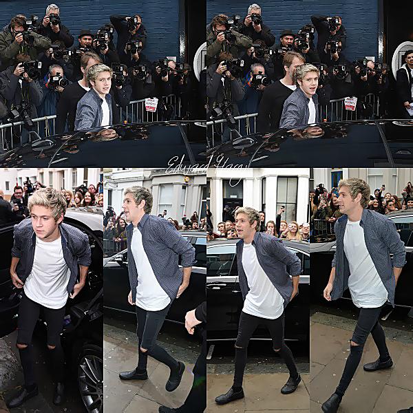 15.11 - Les One Direction ont été vue en arrivant au Sarm Studio pour Band Aid 30 à Notting Hill.