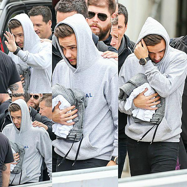 24.11 - Zayn et Harry ont été vue en arrivant à l'aéroport de LAX à Los Angeles.