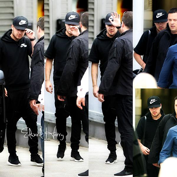 05.02 - Liam à été vue en arrivant à l'aéroport de Sydney.