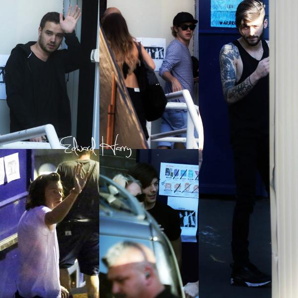08.02 - Les One Direction ont été vus en arrivant au stade à Sydney.