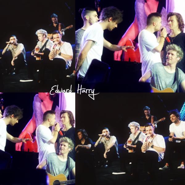 11.03 - les One Direction interprétant leurs treizième concert pour tournée le On The Road Again à Singapour.