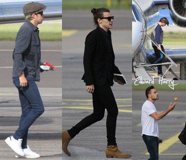 26.06 - Niall et Louis ont été vus avec des amis au festival Glastonbury à Londres.