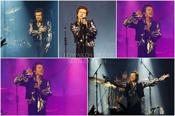 23.05 - Harry en concert au DIRECTV Arena de sa tournée 'Live On Tour' à Buenos Aires - Argentine :