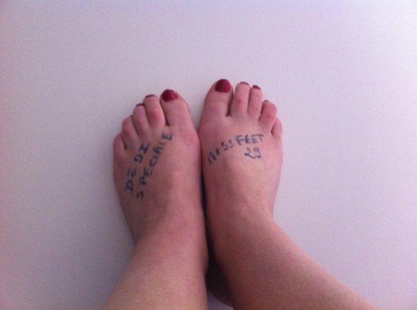 Une annonyme nous faire par de ces petit pieds :)