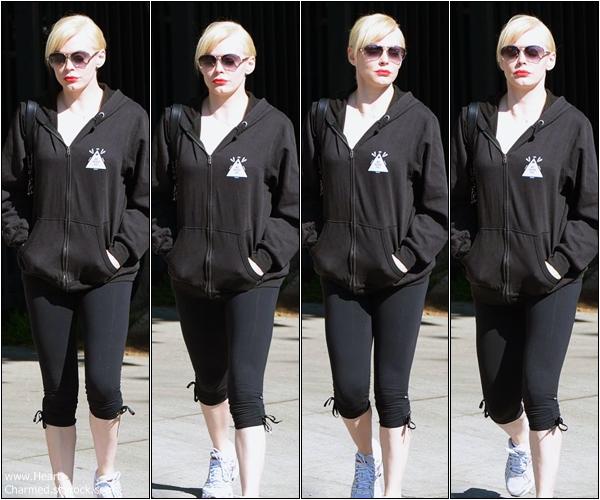 -     13/02/2013 : Rose quittant son cours de gym dans West Hollywood.  -
