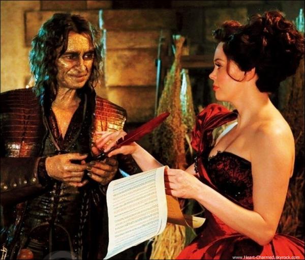 -     19/02/2013 : Rose se rendant à un salon de coiffure à Los Angeles.  -