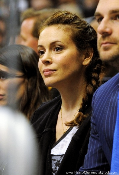 -    11/03/2013 : Alyssa assistant au match Calgary Flames VS Los Angeles Kings à Los Angeles.  -