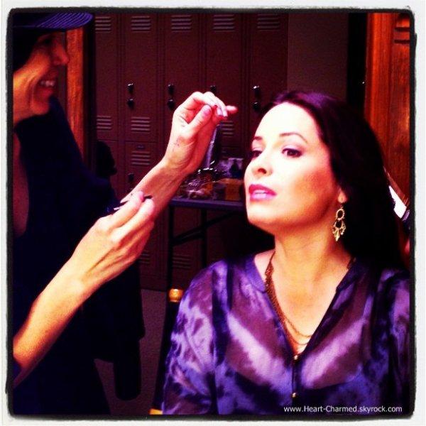 -    Pretty Little Liars : Holly de retour sur le tournage de la saison 4 de Pretty Little Liars.  -