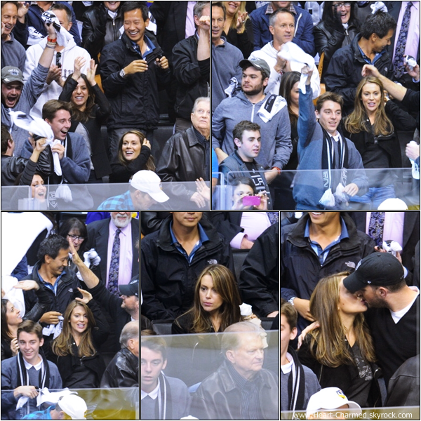 -    10/05/2013 : Alyssa et son mari David arrivant au match opposant les St. Louis Blues et les Los Angeles Kings à Los Angeles.  -
